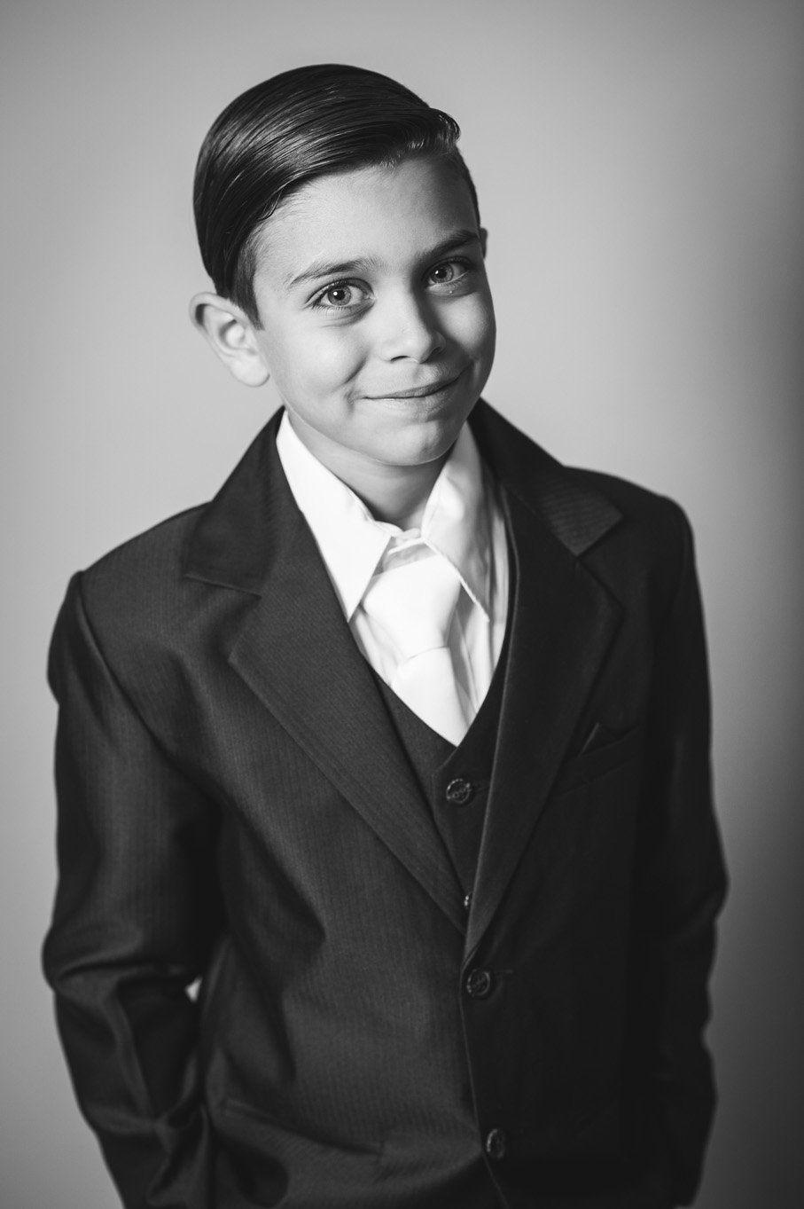 first communion portrait in Westchester County, NY by Erin Borzellino